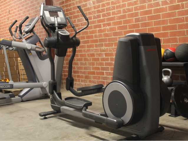 Эллиптические тренажеры/орбитреки б/у: Эллиптический тренажер Life Fitness 95X Inspire б/у