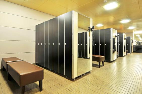 Шкафы и лавки для раздевалок: Шкаф для раздевалки из HPL пластика на 1 ячейку